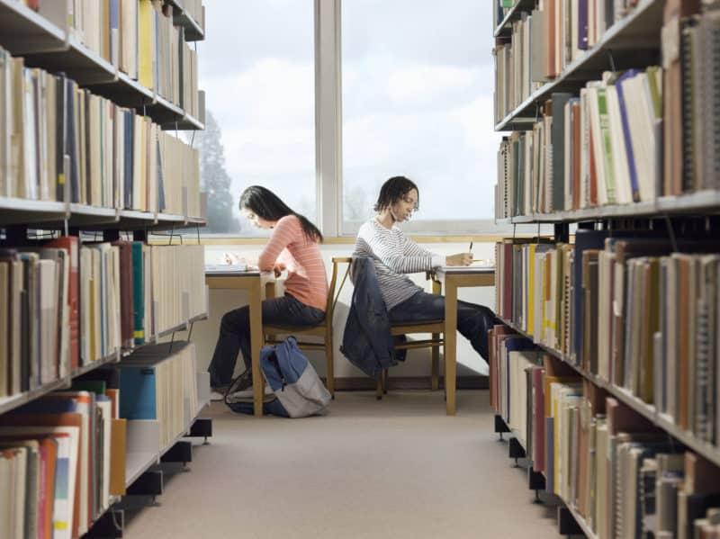 לימודים בספרייה