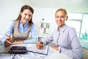 לומדים יחד בקורס הנהלת חשבונות